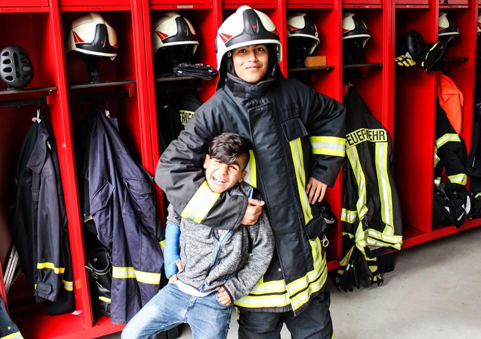 26 Kids besuchen Pirnaer Feuerwehr in der Altstadt
